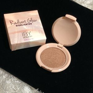 🎉🍦🎉🍦🍦Radiant glow highlighter IBY Beauty🎊🎉